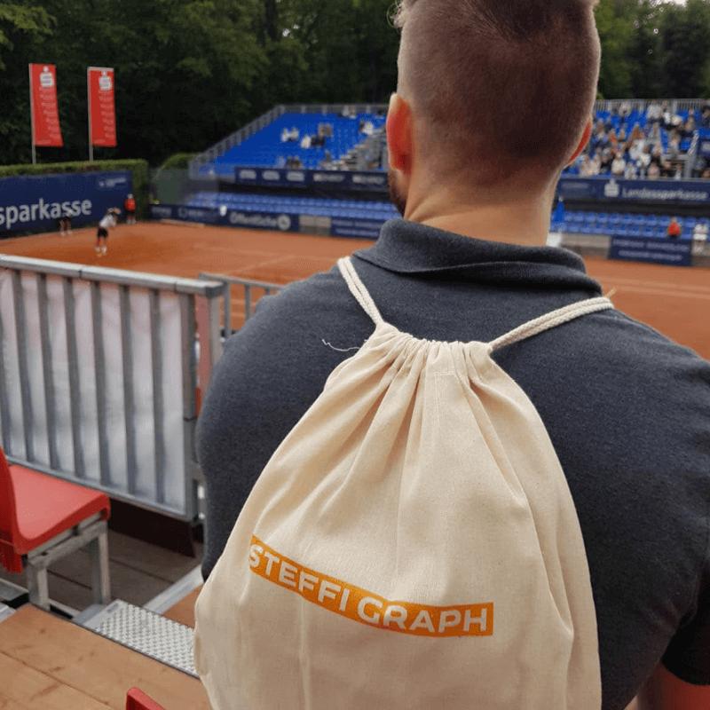 Give-Aways auf dem Tennisplatz für die Recruiting-Kampagne der PROSPER X GmbH auf dem ATP Challenger Turnier 2019 in Braunschweig