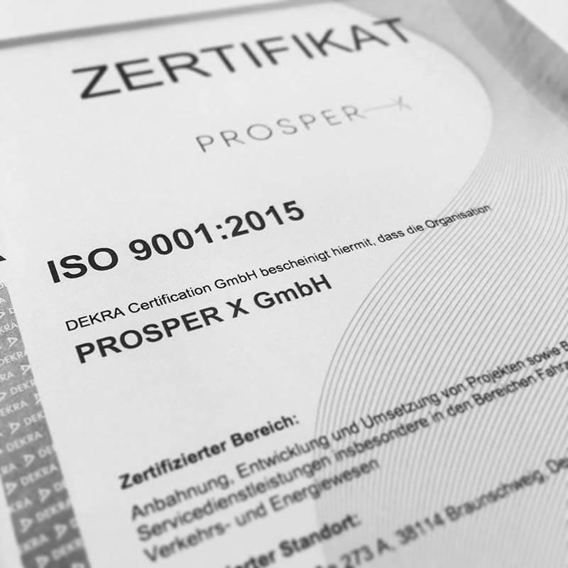 Foto der bestandenen ISO 9001:2015 Zertifizierung der PROSPER X GmbH