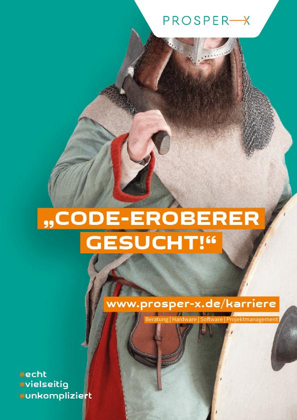"""Plakat für unsere Recruiting-Kampagne mit einem Wikinger vor petrolfarbigen Hintergrund mit der Aufschrift """"Code-Eroberer gesucht"""""""